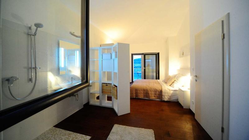 Sevid-Sea-Residence-Apartments-Cetri-Vitra-Bedroom-bathroom